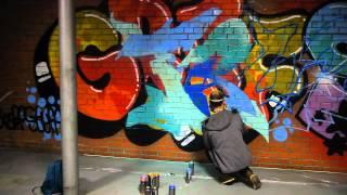 Смотреть онлайн Как научиться поэтапно рисовать граффити баллончиком