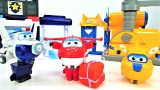 Das Super Wings Team - Jett macht eine Bruchlandung - Spielzeugvideo für Kinder