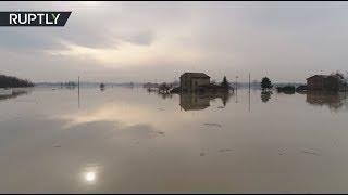 Беспилотник облетел затопленный регион на севере Италии