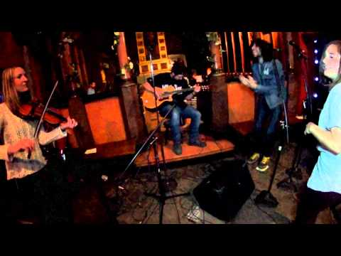 Julia Rainer - Lay Me Down (live)