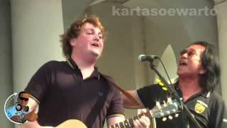 Why Do You Love Me   Koes Plus & Tim Knol (Kotatua, Jakarta Live 2012)