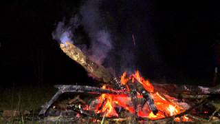 preview picture of video '050 Youth Campfire Kluang Mardi Kluang Johor Malaysia Youth Camp Peace Fellowship 和平团契露营营火会森林探险'
