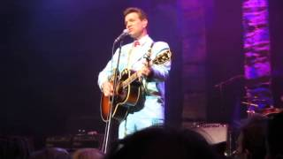 Pretty girls don't cry (part) - Chris isaak Eindhoven 2012