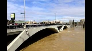 preview picture of video 'Crecida del Ebro en Zaragoza'
