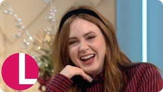 Jumanji's Karen Gillan Reveals Her Co-Stars Have to Stand on Boxes   Lorraine