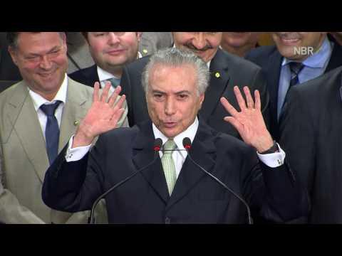"""""""É urgente pacificar a Nação e unificar o Brasil"""