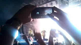 Track 13 (fine) / Flash (tape) / The Hero / One Vision / Hammer To Fall (intro)|QAL Padova 25/6/2016