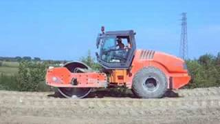 Hamm 3520 Compacting Soil To Build A New Road - Italy 2008