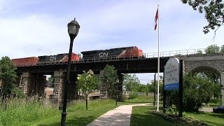preview picture of video 'CN 2305 at Napanee (28JUN2014)'