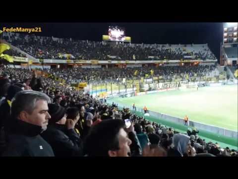 """""""Hinchada de Peñarol vs Palmeiras - Libertadores 2017"""" Barra: Barra Amsterdam • Club: Peñarol"""
