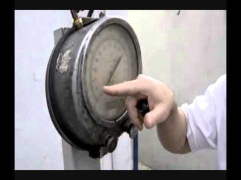 Cómo mirar la presión en los neumáticos