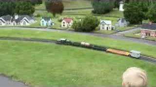 preview picture of video 'Luke at Model Railway Village Southport'