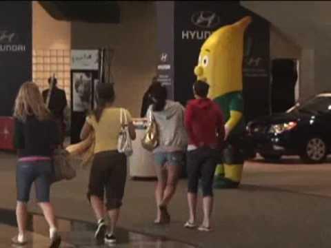איש הבננה - מתיחה מצחיקה!