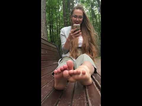 Щекотка челлендж / Tickle feet challenge