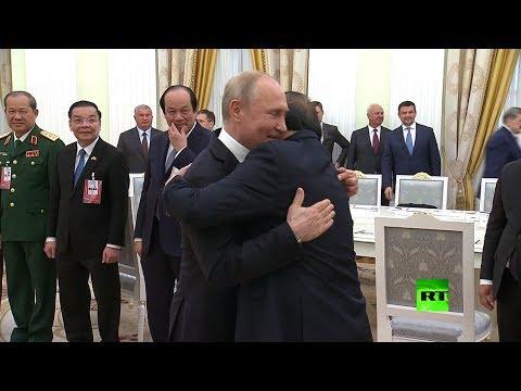 العرب اليوم - شاهد: مذيعة روسية تفوز بجائزة وزارة الدفاع السنوية للصحافيين