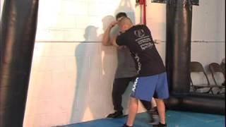 Jujitsu Defense Techniques : Jujitsu: Large Opponent Choke Defense