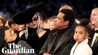 Gambar cover Blue Ivy appears to hush parents Beyoncé and Jay-Z at Grammys