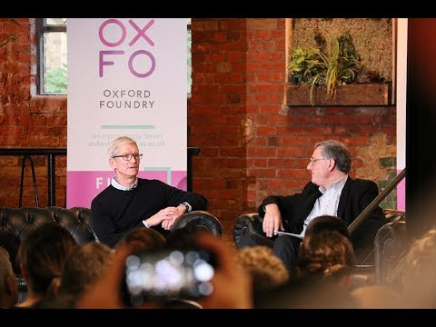 photo image Apple CEO Tim Cook Talks to Students at Oxford University