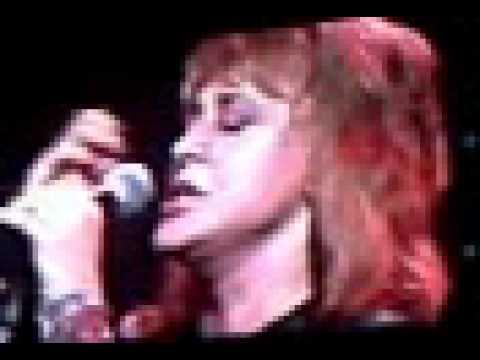 Suzi Quatro Singing with Angels