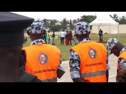 <a href='https://www.akody.com/cote-divoire/news/cote-d-ivoire-sortie-de-la-41eme-promotion-des-eleves-commissaires-de-la-police-le-parrain-hamed-bakayoko-ne-gatez-pas-l-image-de-la-police-que-nous-avons-batie-320591'>Côte d'Ivoire : Sortie de la 41ème promotion des élèves commissaires de la police, le parrain Hamed Bakayoko, « Ne gâtez pas l'image de la police que nous avons bâtie »</a>