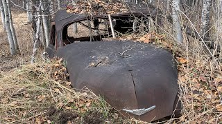 Diggin' at the farm! I grab a shovel and dig at the old dump...  and find old scrapped classic cars!