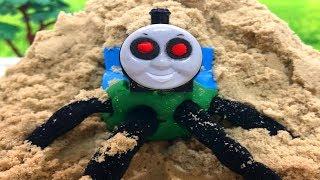 きかんしゃトーマスプラレール おばけ電車&キネティックサンド Thomas & Friends Toy Trains Is Ghost
