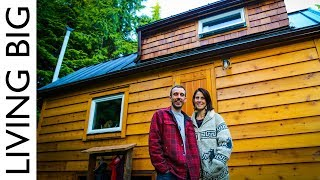 This Couple's Natural Eco Tiny House Is a True Stunner! - Video Youtube