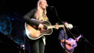 "Holly Williams ""I Saw The Light"" Live 2013"