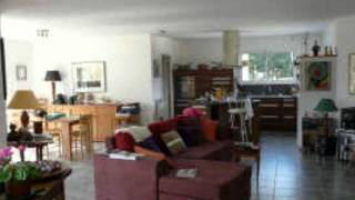 preview picture of video 'Le Chalard Surface habitable 160m² - Chambres 4 chambres -'