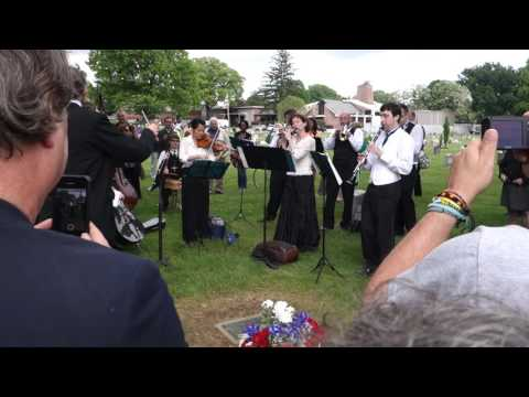 Scott Joplin's Maple Leaf Rag Performed at his Gravesite by Paragon Ragtime Orchestra