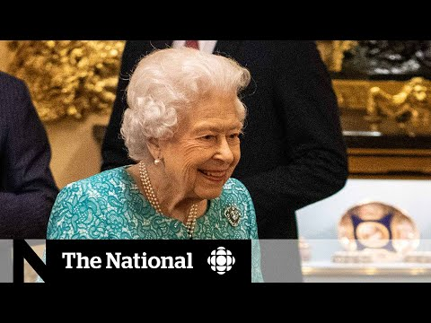 Queen returns to Windsor Castle after night in hospital