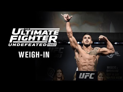 La pesée de la finale de The Ultimate Fighter 27