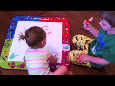 Spin Master AquaDoodle Classic Mat Review - The Toy Spy