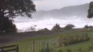 preview picture of video 'Waihau Bay Storm 2004'