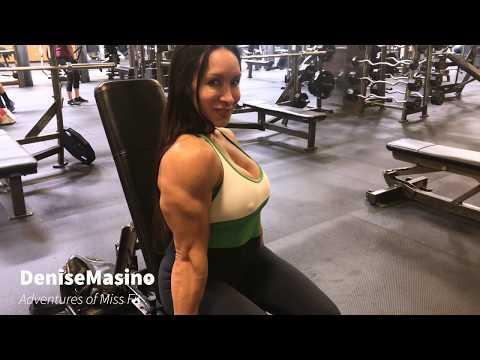 Denise Masino Hammer Curls - Build Big Biceps Workout. 4K