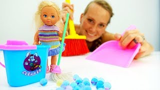 Барби и Штеффи наводят порядок дома - Видео для девочек