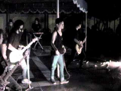 Everyone Never DIE - INTRO, KITA SEMUA SAMA (live at TBRS semarang)