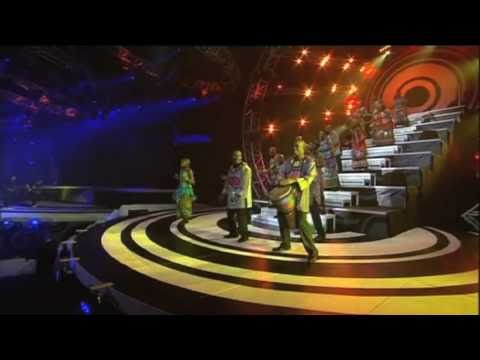 SAMA 16 (2010) : Soweto Gospel Choir performs with Die Heuwels Fantasties and JR