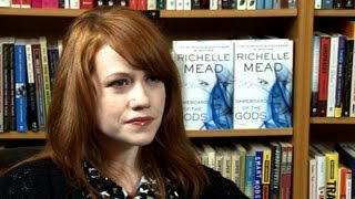 Райчел Мид, Richelle Mead Intervew