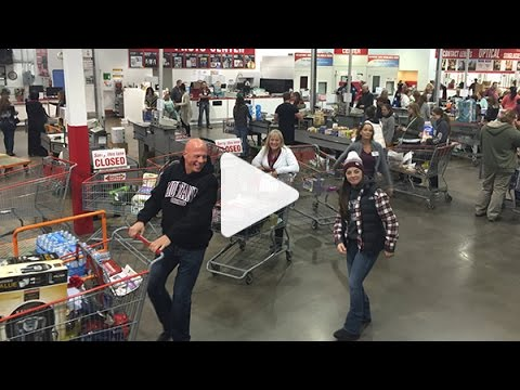 2016 Family Weekend: Costco Shop Night