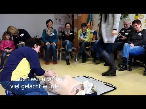 Wie die Ellenbogen nach einer Schulterfraktur entwickeln