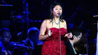 Andrea Bocelli & Dira Sugandhi.mp4