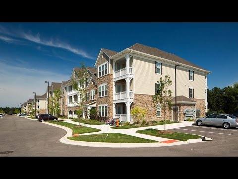 Convenience and luxury at new Naperville apartments
