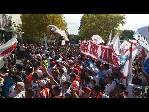 """""""MIX + fiesta!   Caravana Millonaria"""" Barra: Los Borrachos del Tablón • Club: River Plate • País: Argentina"""