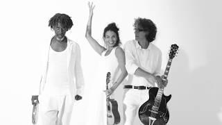 teaser do 5o. cd do trio Revista do Samba, Samba do Revista - fotos Laílson Santos - arte Marcia Dav