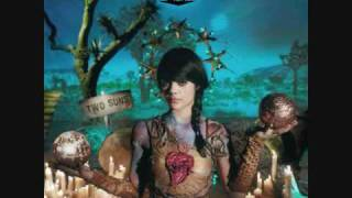 Bat For Lashes-Sleep Alone (Video Audio)