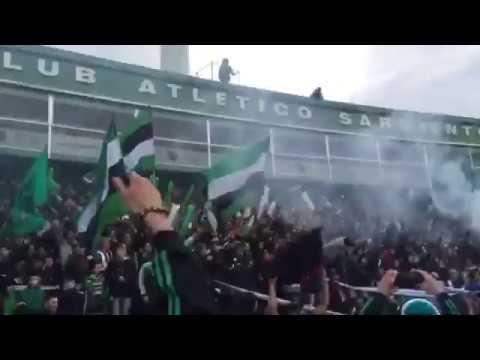 """""""Muchachos traigan vino que juega el verde"""" Barra: La Gloriosa • Club: Villa Mitre"""