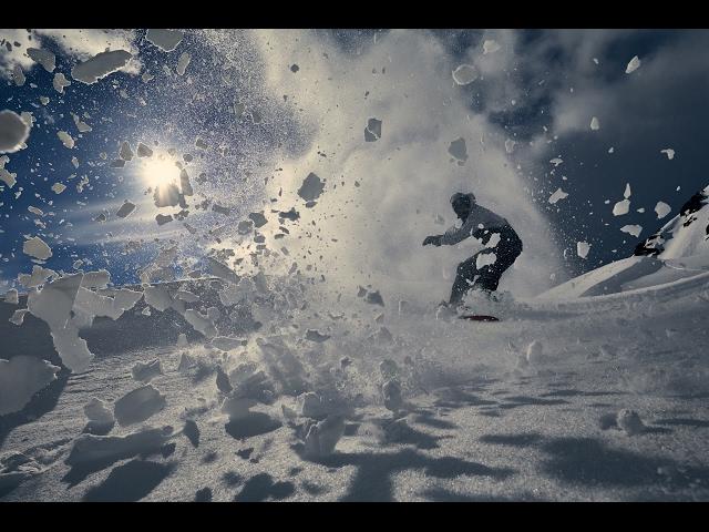 Aksi Nekat Snowboard Niklas Mattsson di Norwegia