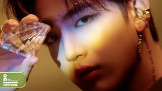 위아이(WEi) - IDENTITY : Challenge Visual Focus Film