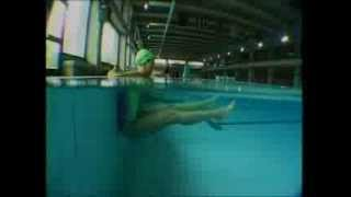 Смотреть онлайн Какие упражнения надо делать в бассейне для оздоровления